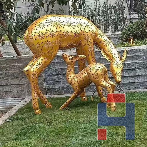 不锈钢子母鹿雕塑