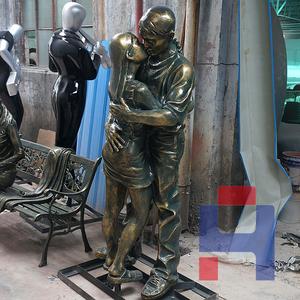 仿铜情侣雕塑
