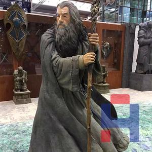 复古法师雕塑